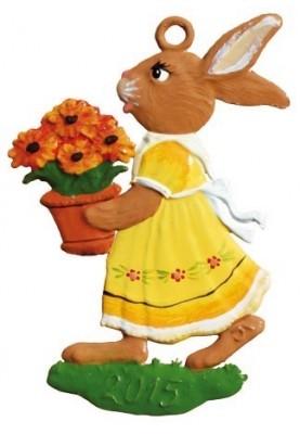 Zinn Hasenmädchen mit Blumen 2015