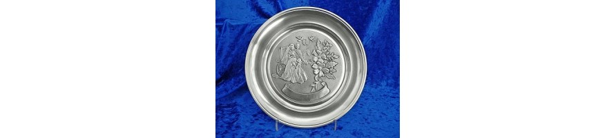 Pewter Kleinschmidt - Wedding Plates made out of pewter of high Quality, casted by masters hand